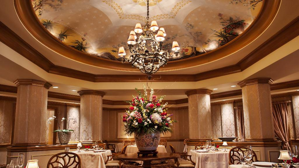 Victoria_and_Alberts_restaurant_american_vacation_living_orlando - disney